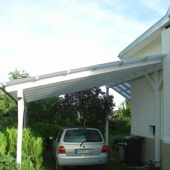 Carport mit Well-Plexiglas